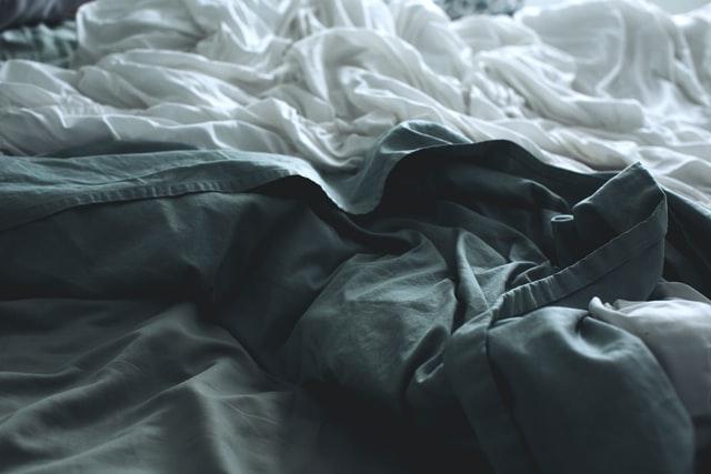 La couverture lestée, un moyen plus efficace de lutte contre le sommeil
