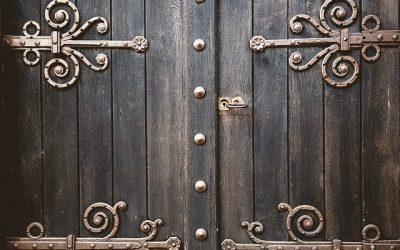 Quel matériau pour un portail chic et écologique?